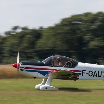 Aérodrome de Saint-Rambert-d'Albon, Drôme (26) - Baptême en avion de voltige