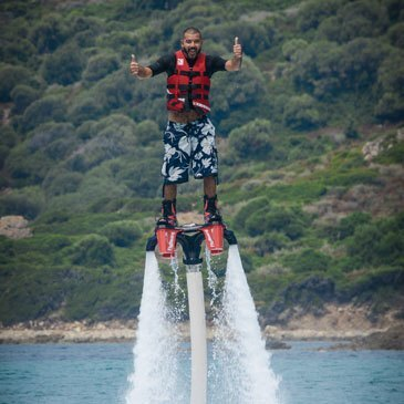 Initiation au flyboard à Cargèse
