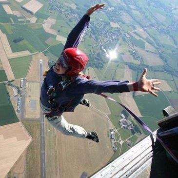 Saut en Parachute à Ouverture Automatique à Maubeuge