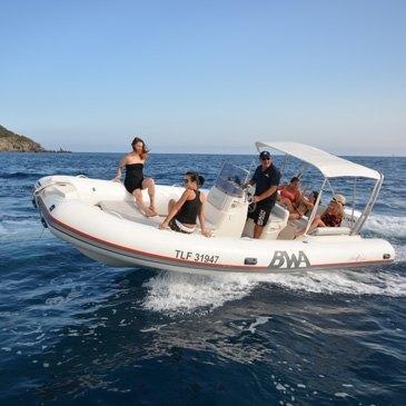 Location de bateau avec permis à Hyères