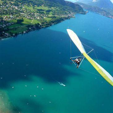 Baptême en Deltaplane - Survol du Lac d'Annecy