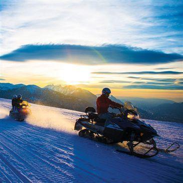 Randonnée en Scooter des Neiges aux Carroz-d'Arâches en région Rhône-Alpes