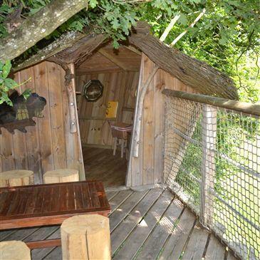 Cabane Perchée près de Laval