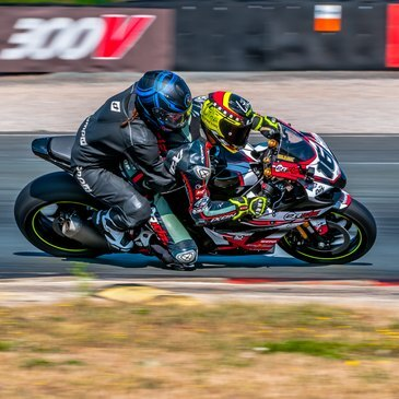 Baptême Moto sur Circuit proche Circuit de Fontenay-le-Comte