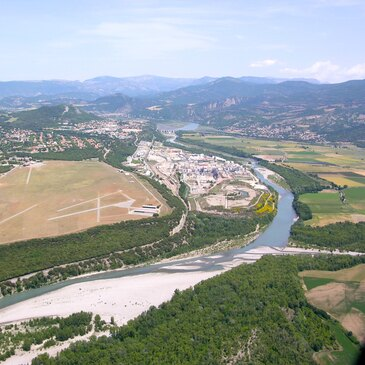 Baptême de l'air hélicoptère proche Aéroport d'Avignon-Provence