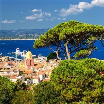 Sortie Privative en Yacht de Luxe à Beaulieu-sur-Mer en région Provence-Alpes-Côte d'Azur et Corse