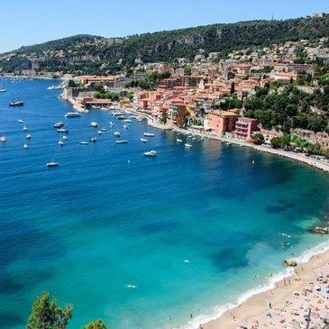 Sortie Privative en Yacht de Prestige à Cannes en région Provence-Alpes-Côte d'Azur et Corse