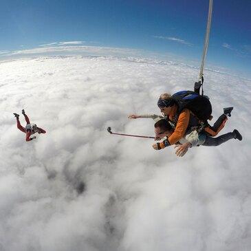 Saut Parachute en Tandem près de Besançon en région Franche-Comté