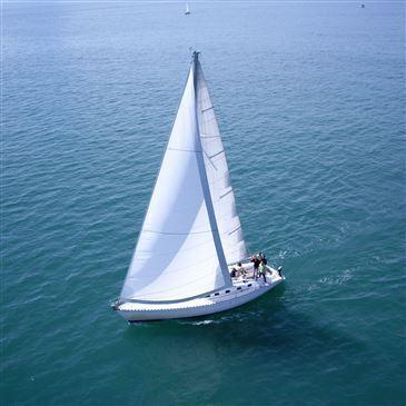 Week-end en Voilier avec Skipper à Granville en région Basse-Normandie