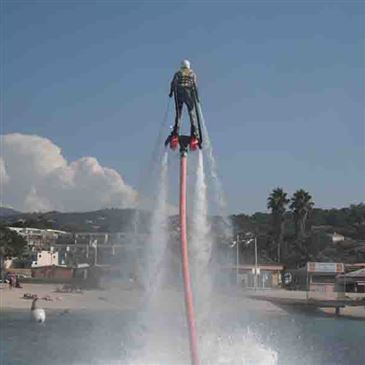 Initiation au Flyboard à Porticcio en région PACA et Corse
