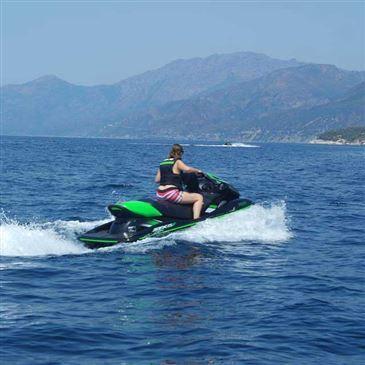Réserver Jet ski Scooter des mers en Provence-Alpes-Côte d'Azur et Corse