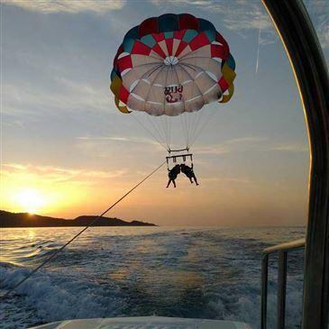 Parachute Ascensionnel proche Saint-Florent