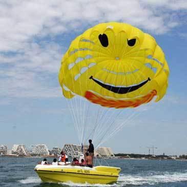 Parachute Ascensionnel et Bouée Tractée à Palavas-les-Flots en région Languedoc-Roussillon
