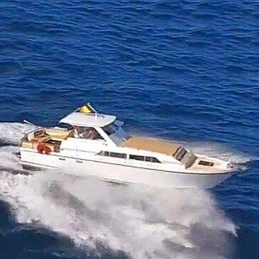Location de Bateau avec Skipper à Cannes