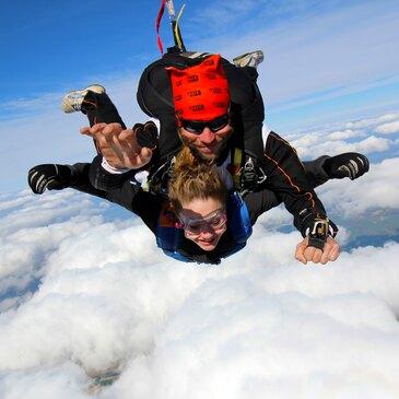 Saut en Parachute Tandem près de Provins