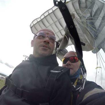 Saut en Parachute Tandem à Toulouse en région Midi-Pyrénées
