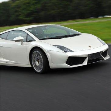 Stage de pilotage Lamborghini en région Auvergne