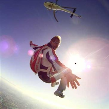 Saut Parachute en Tandem depuis un Hélicoptère à Chalon-sur-Saône