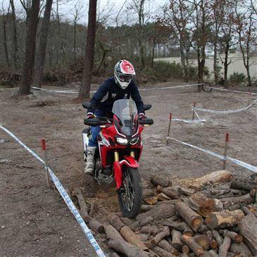Stage de Pilotage Moto Trail près de Bordeaux en région Aquitaine