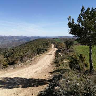 Randonnée en Moto Trail près de Carcassonne en région Languedoc-Roussillon