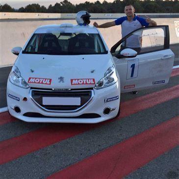 Stage en Peugeot 208 Racing Cup pour Adolescent - Circuit d'Alès