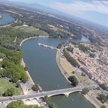 Baptême en Hélicoptère - Survol Avignon et ses Vignobles