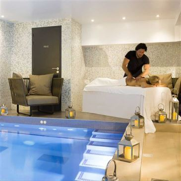 Massage Et Spa Privatif A Paris Avec Champagne Proche Moulin Rouge