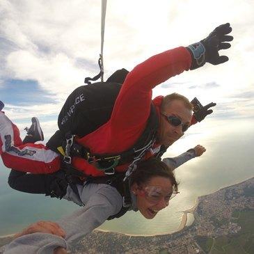 Saut en Parachute Tandem près de Nantes