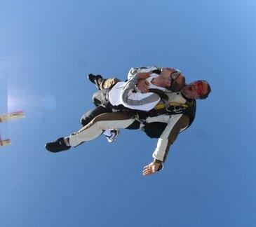 Aérodrome de Nîmes-Courbessac, Gard (30) - Saut en parachute
