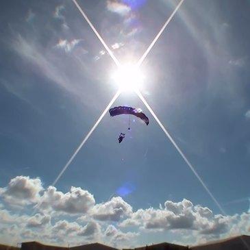 Aérodrome de Niort-Marais Poitevin, à 1h30 de Tours, Indre et loire (37) - Saut en parachute