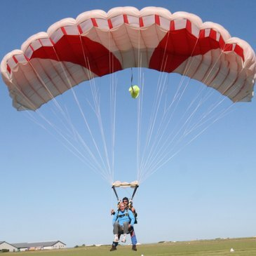 Aérodrome d'Arras - Roclincourt, Pas de calais (62) - Saut en parachute