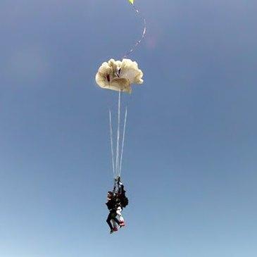 Saut en parachute proche Aérodrome de Lasclaveries, à 50 min de Tarbes