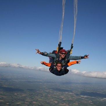 Aérodrome de Vannes, Morbihan (56) - Saut en parachute