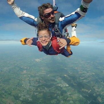 Saut en Parachute Tandem à Vannes en région Bretagne