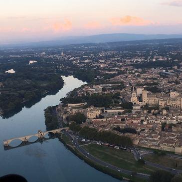 Baptême en Hélicoptère - Survol de la Cité des Papes et du Rhône
