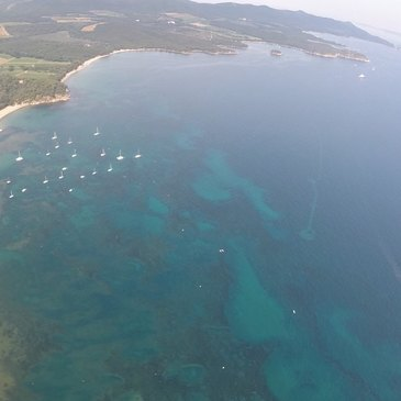 Baptême en Hélicoptère à Hyères - Les Plages et les Îles du Var