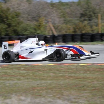 Stage de pilotage Formule 3 proche Circuit du Luc