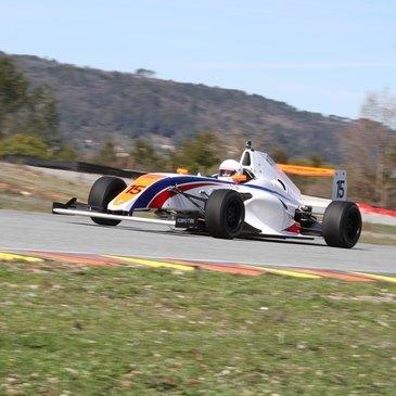 Stage de pilotage Formule 3 proche Circuit de Saint-Laurent-de-Mûre