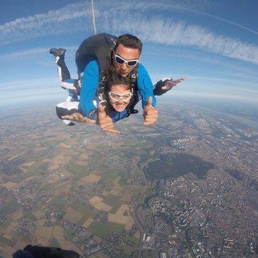 Saut en Parachute Tandem à Blois