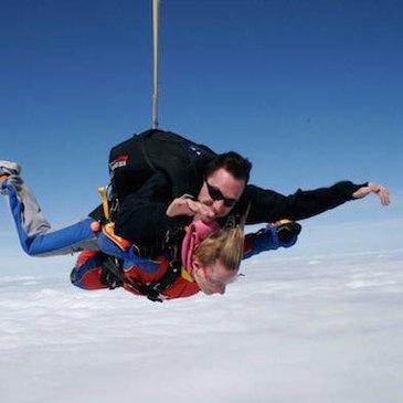 Saut en Parachute Tandem près de Montceau-les-Mines
