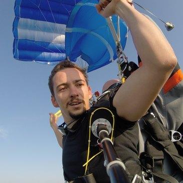 Aérodrome de Saint-Girons-Antichan, Ariège (09) - Saut en parachute