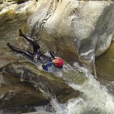 Descente d'un Canyon d'Eaux Chaudes près de Font-Romeu en région Languedoc-Roussillon