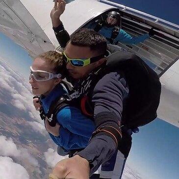 Saut en Parachute Tandem près du Mans