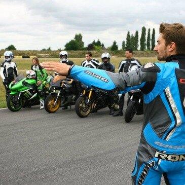 Stage de pilotage moto en région Centre
