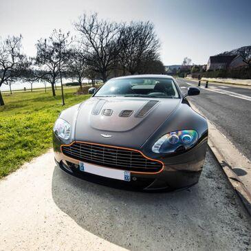 Stage sur Route en Aston Martin V12 Vantage à Tours