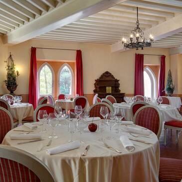 Nuit au château des Fines Roches en région Provence-Alpes-Côte d'Azur et Corse