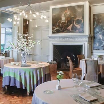 Week end dans un Château proche Villerest, à 10 min de Roanne