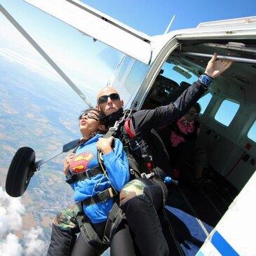 Saut en Parachute Tandem près de Rennes