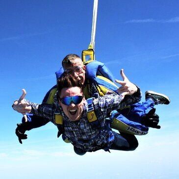 Saut en Parachute Tandem près de Pontoise