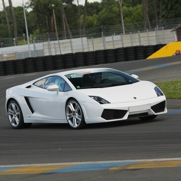 Stage de pilotage Lamborghini en région Bretagne